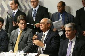 20150617_senado1